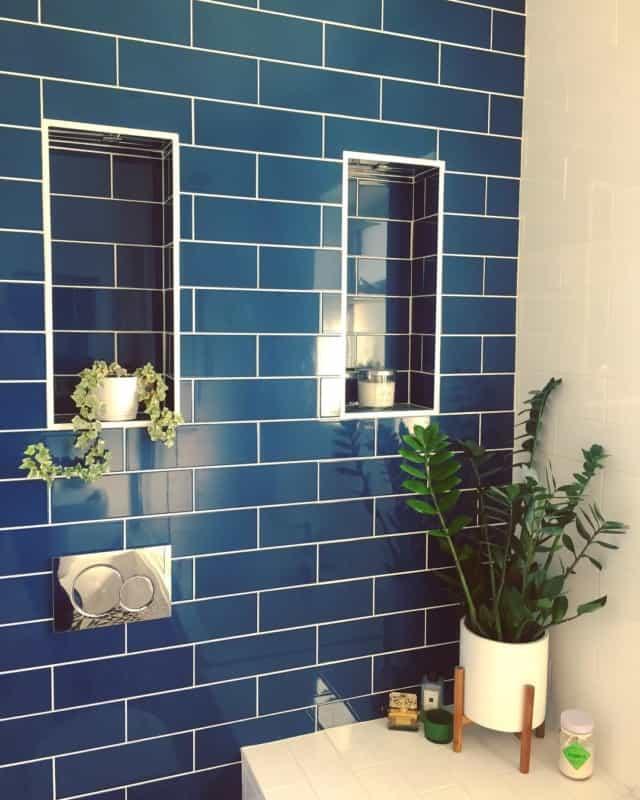 синяя-ванная