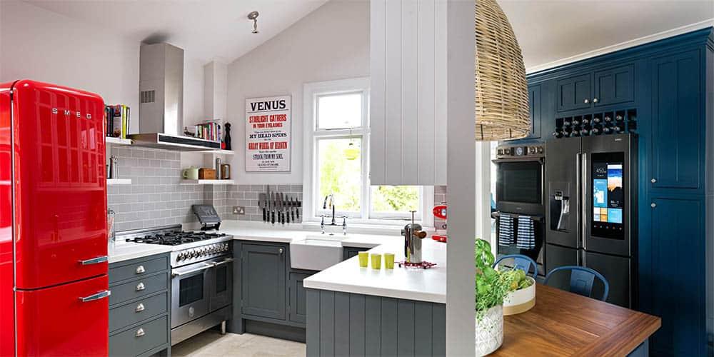 Интересные варианты оформления и меблировки Дизайн кухни с холодильником 2018