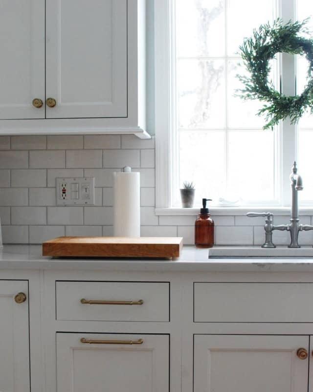 кухня-гостиная-в-стиле-минимализм