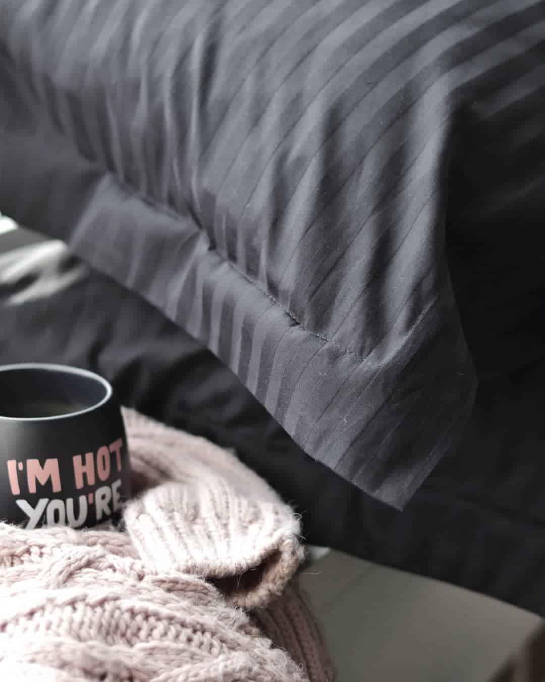черно-белая-спальня-фото