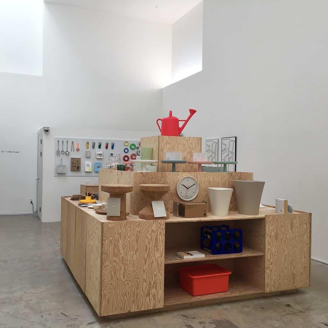 гостиная-мебель-в-стиле-минимализм