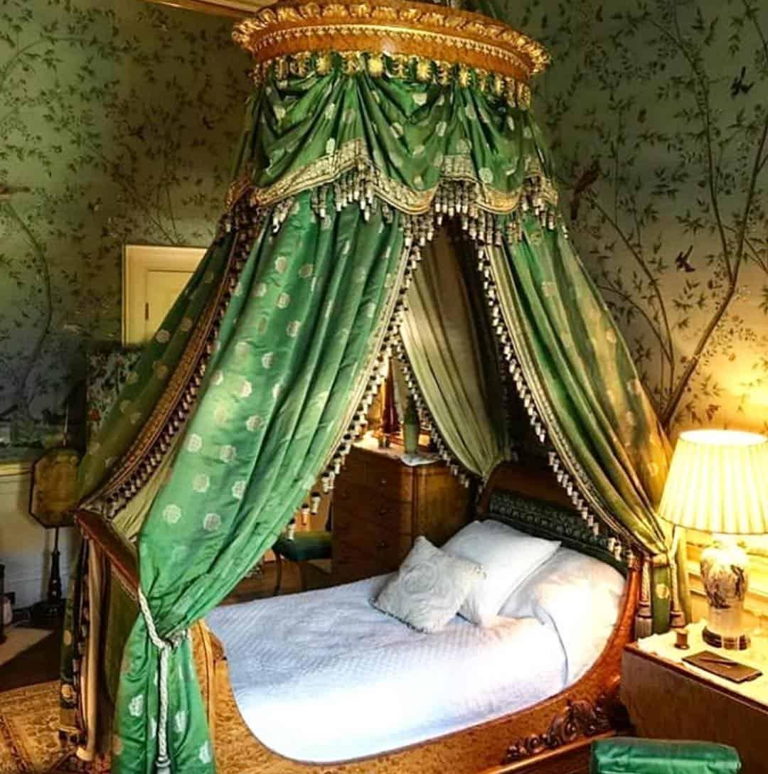 интерьер-спальни-в-английском-стиле