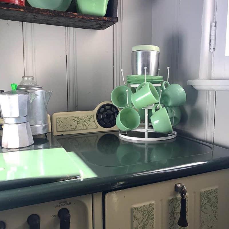 Современная-ретро-кухня-Дизайн маленькой кухни 2019