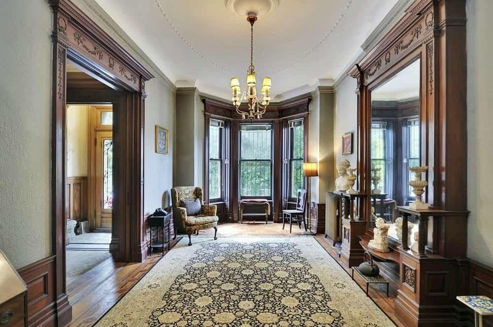 Викторианский стиль в интерьере: холл