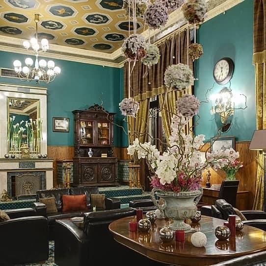 гостиная-в-викторианском-стиле