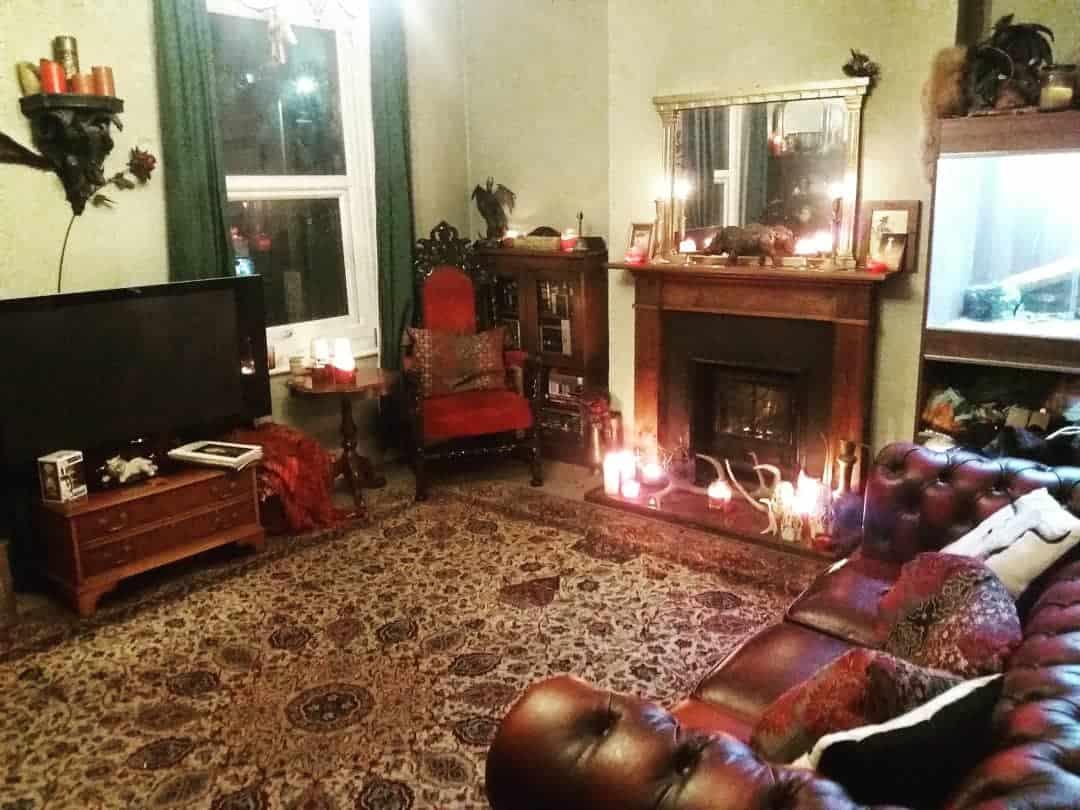 мебель-в-готическом-стиле