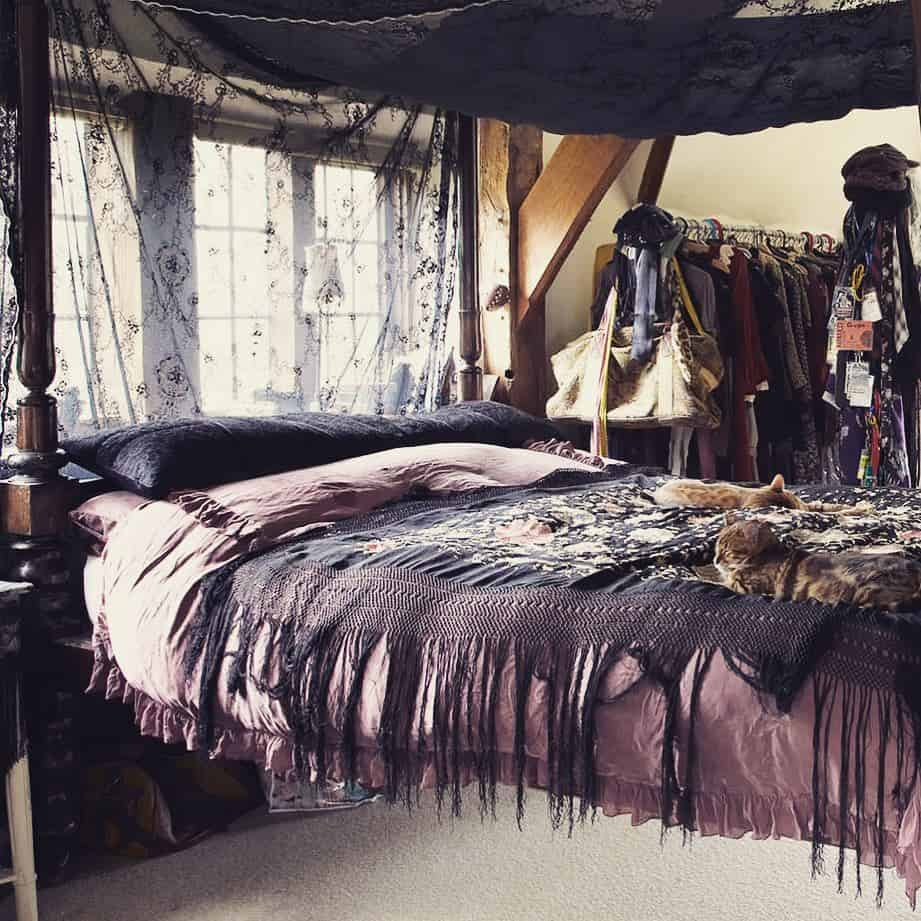 спальня-в-готическом-стил