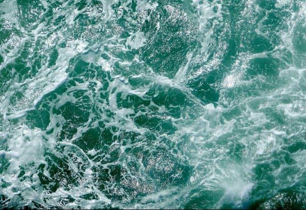 Обои-2020-Волны